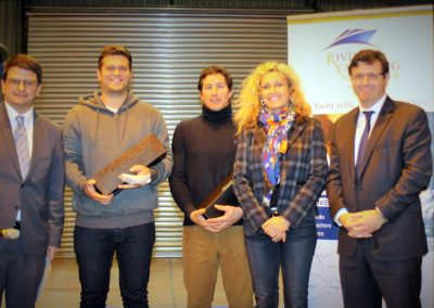 DAMIEN ARNOUX, Champion du monde de Funboard des moins de 21 ans, et CLÉMENT GIRAUD, navigateur hors pair