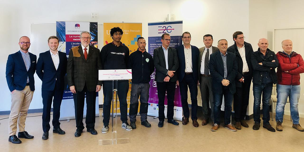 La Garde : Inauguration de l'« École des plombiers du numérique » par le président Gérard Cerruti