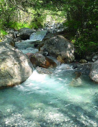 Cours d'eau de montagne Hautes-Alpes - crédit : ARPE PACA