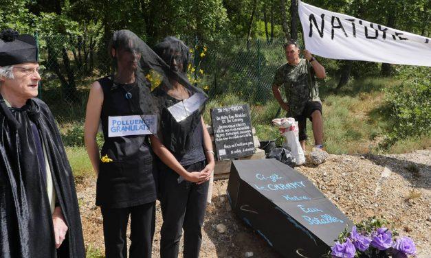 Manifestation à Mazaugues contre le projet de carrière de granulats